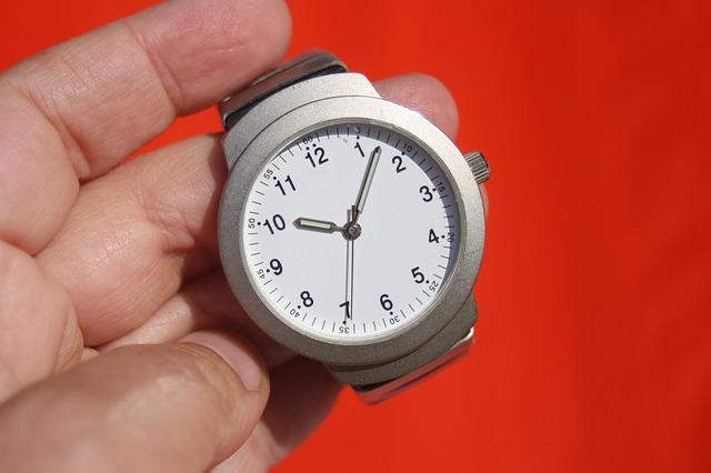 clock-95330_640